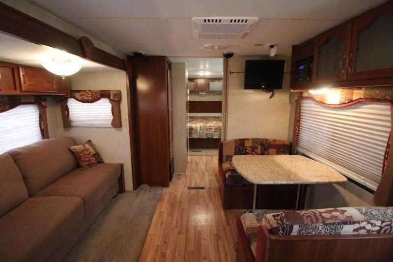 2011 Timber Ridge 240RKS Travel Trailer - Xclnt Condition!