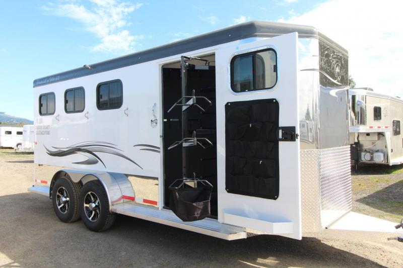 2018 Trails West Sierra Select - Escape Door - Lined and Insulated - Aluminum Seamless vacuum bonded walls - Escape Door - 3 Horse Trailer