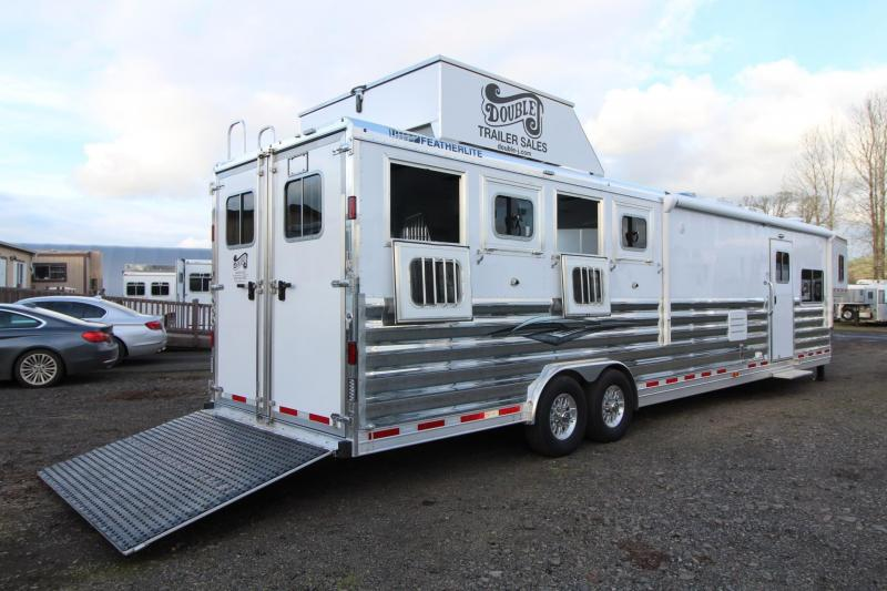 2018 Featherlite 9821 Liberty 17' Living Quarters w/ Slide - Couch & Dinette - Bar - Central Vacuum - And Much More! - 4 Horse Trailer w/ fans in horse area - Hay Pod