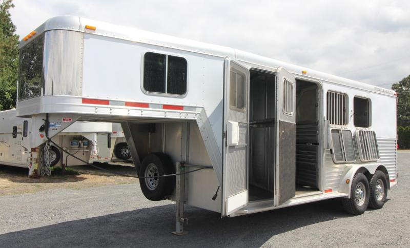 2004 Featherlite 3 Horse Trailer w/ Insulated Dressing room - R& - Escape door & 2004 Featherlite 3 Horse Trailer w/ Insulated Dressing room - Ramp ...