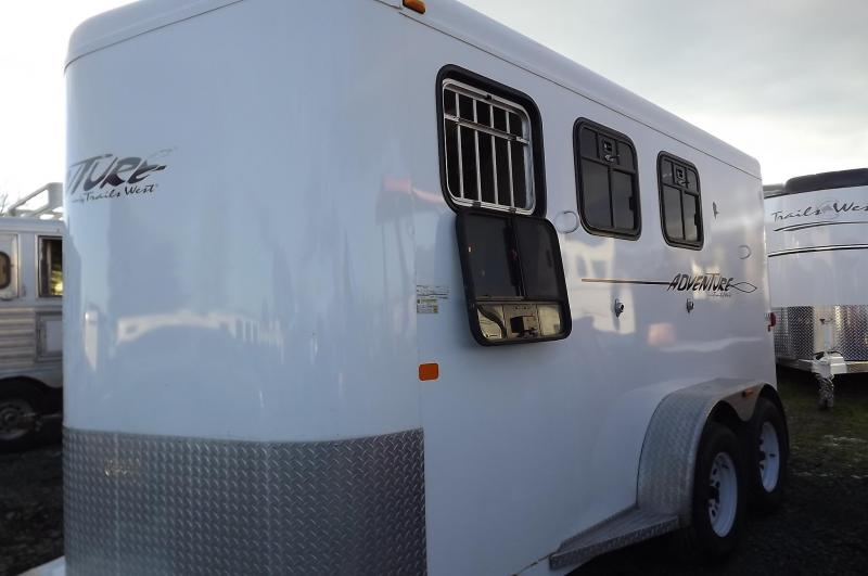 2010 Trails West Adventure MX - Drop Down Windows - Load Lights - H20 Tank - Swing out Saddle 3 Horse Trailer