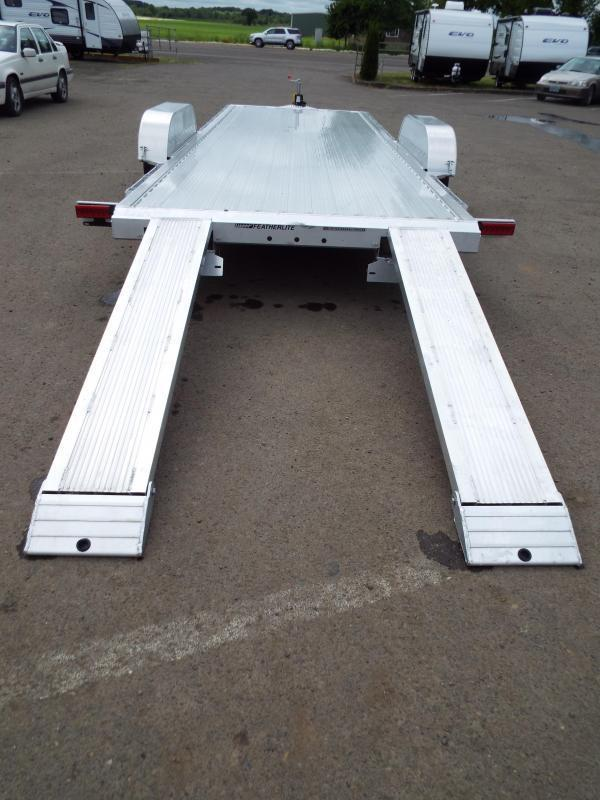 2017 Featherlite 3182 - 22 ft - All Aluminum - Car / Racing Trailer - With Ramps