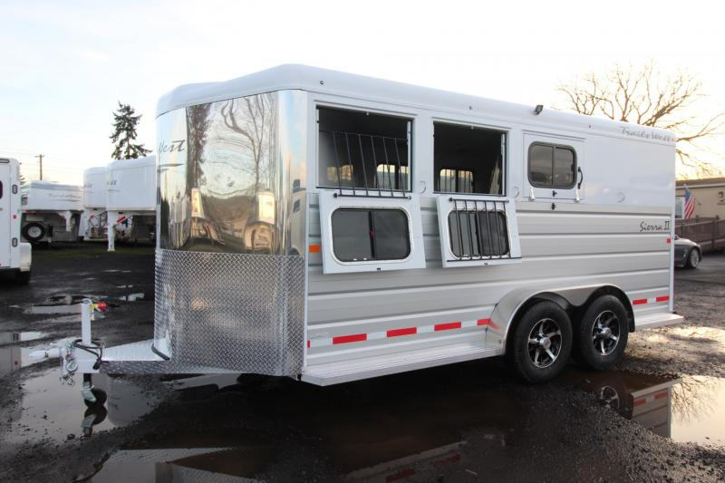 2018 Trails West Sierra II - Lined & insulated horse area - 3 Horse Trailer - Aluminum Skin Steel Frame