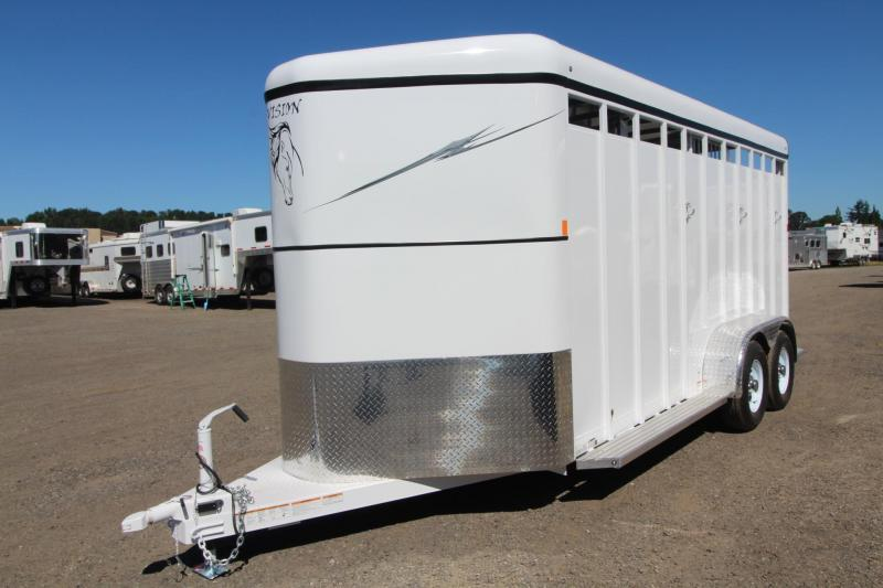 2017 Fabform Vision 18ft - Swing out Saddle rack - Swinging tack wall - 3 Horse Trailer