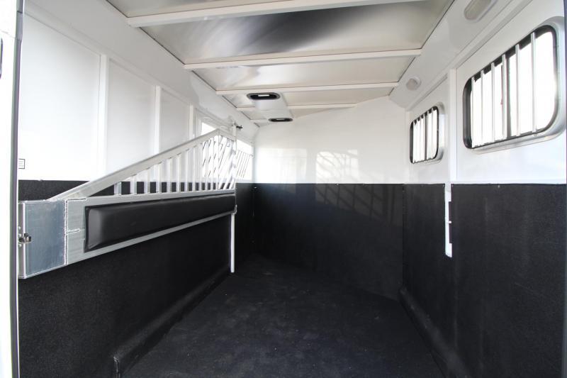 2018 Trails West Classic II - 2 Horse Trailer -SpeciALite Aluminum Skin - Convenience Package - Alum Wheels - Rubber Mats in Tack