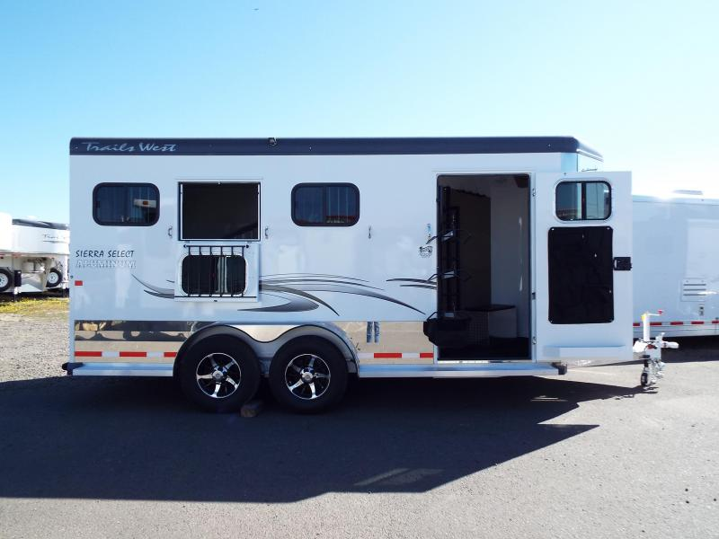 3 Horse Trailers Horse Trailers And Living Quarter