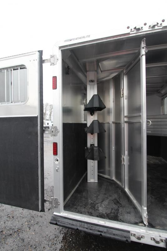 2018 Featherlite 8542 - Rear Tack - Escape Door - 3 Horse Trailer with upgraded windows
