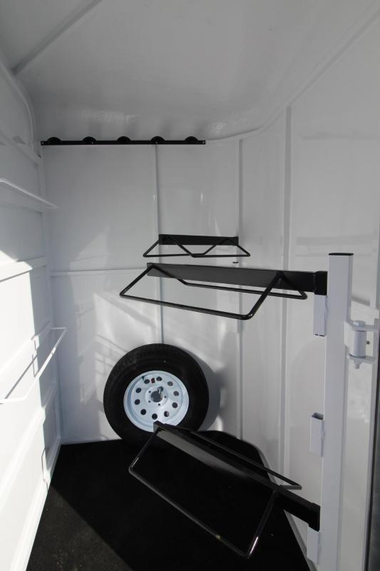 2018 Fabform Vision Deluxe 2 Horse Trailer - Adjustable Dividers - Swing out saddle rack - Water tank