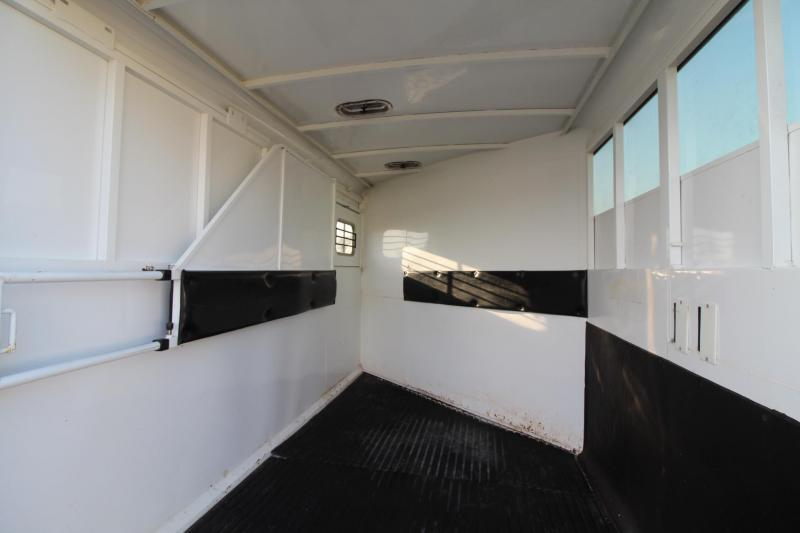 2003 Logan Coach Performer 2 Horse Trailer - 4 place Swing out saddle rack