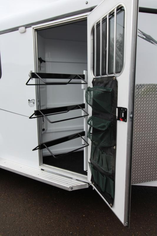 2018 Fabform Vision Deluxe 3 Horse Galvanized Steel Trailer - Swing out Saddle Rack - Water Tank
