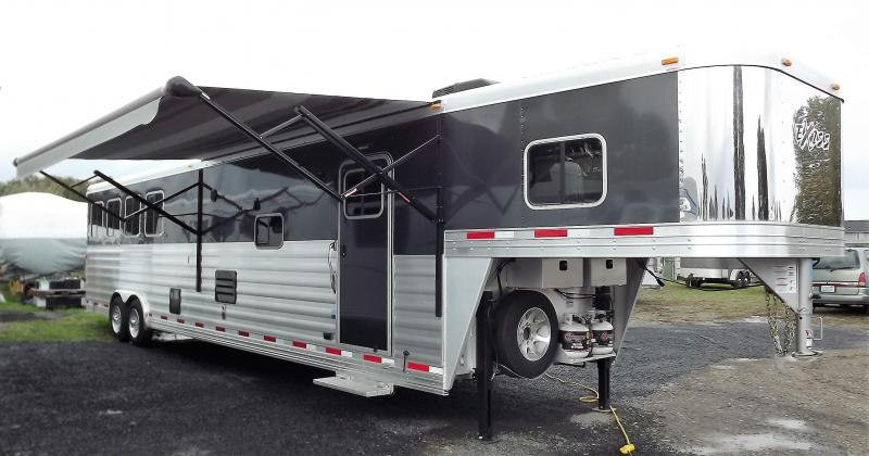 "2017 Exiss Endeavor 8416 - 7'8""Tall 8' Wide 16' Short Wall Slide Out Dinette Hydraulic Jack Electric Awning Lots of Upgrades 4 Horse Living Quarters Trailer PRICE REDUCED $1000"