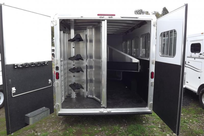 """2017 Exiss Endeavor 8416 - 7'8""""Tall 8' Wide 16' Short Wall Slide Out Dinette Hydraulic Jack Electric Awning Lots of Upgrades 4 Horse Living Quarters Trailer PRICE REDUCED $1000"""