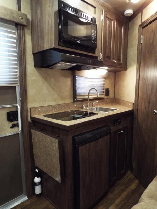 """NEW 2016 Featherlite 8533 - 3 Horse- Priced BELOW DEALER COST!! - 7'6"""" SW LQ - 7'6"""" Tall 6'7"""" Wide - All Aluminum - REDUCED $8200"""