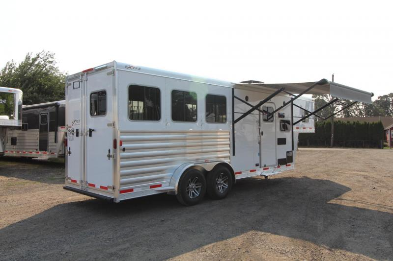 2017 Exiss Escape 7306 -6' S.W. - LOADED w/ Upgrades - Escape door & Stud panel - Sofa - Easy Care Flooring - 3 Horse Living Quarters Trailer