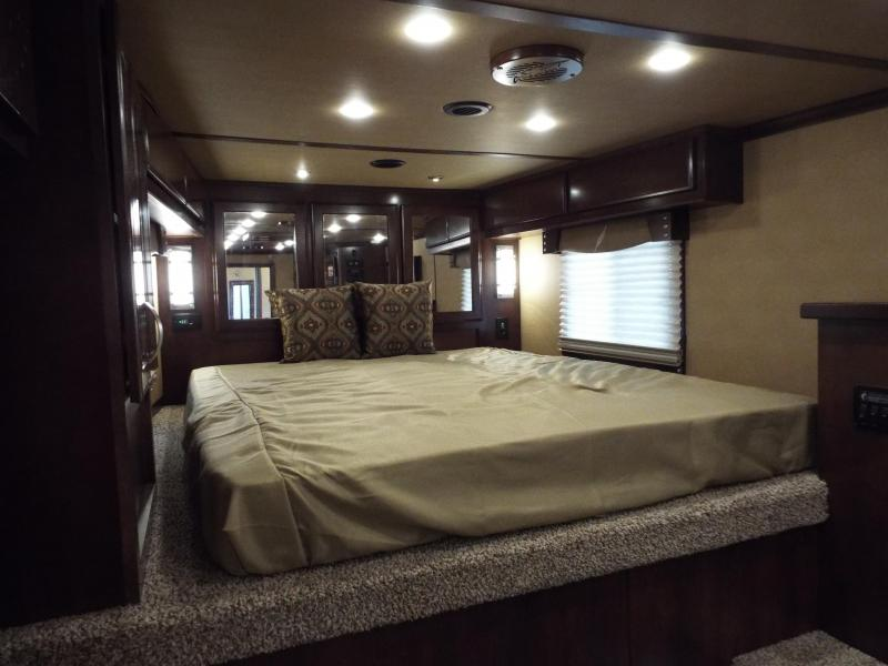 """2017 Featherlite 9821 4 Horse 11 ft LQ w/ Slide Out & """"Easy Care"""" Flooring in Horse Area REDUCED $1550"""