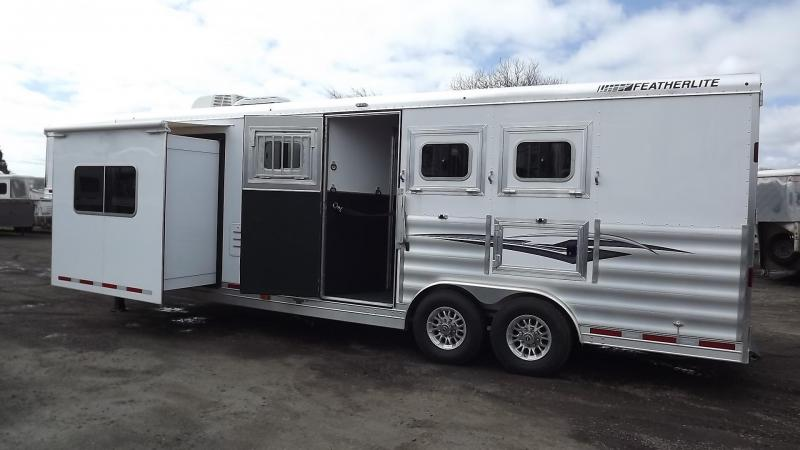 2017 Featherlite 9821 Liberty Legend 11' SW 8' Wide w/ Easy Care Flooring 3 Horse Trailer PRICE REDUCED $1090