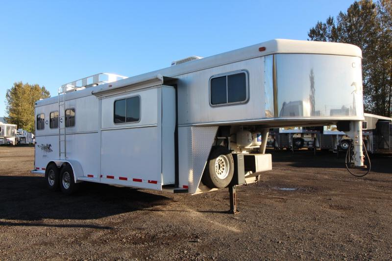 2004 Circle J Mirage - 9' Short Wall - Generator - W/ Slide - Hayrack -  3 Horse Living quarters Trailer