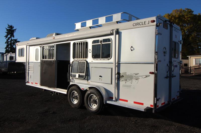 2004 Circle J Mirage - 9' Short Wall - Generator - W/ Slide - Hayrack -  3 Horse Living quarters Trailer