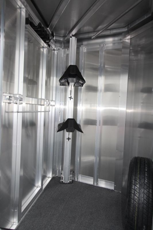 2018 Exiss Express CXF 2 Horse Trailer - All Aluminum - Fully Enclosed Tack - Air Flow Divider