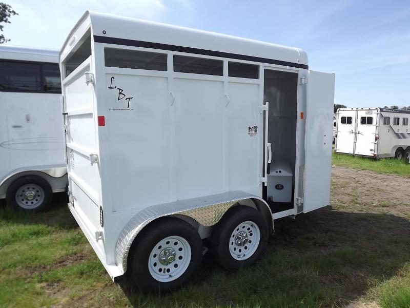 2017 Fabform Vision LBT Galvanized Steel w/ Swinging Tack Wall 2 Horse Trailer
