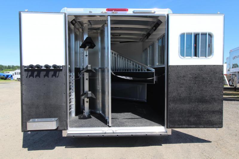 2017 Exiss Escape 7308 - Polylast Flooring - Stud Panel - Dinette - 3 Horse Living Quarters Trailer