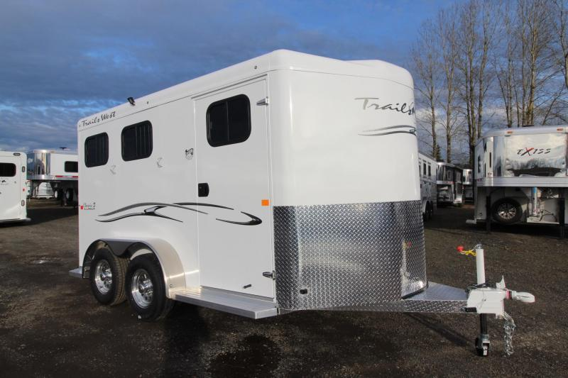2018 Trails West Classic II - 2 Horse Trailer -SpeciALite Aluminum Skin - Convenience Package - Alum Wheels - Rubber Mats in Tack