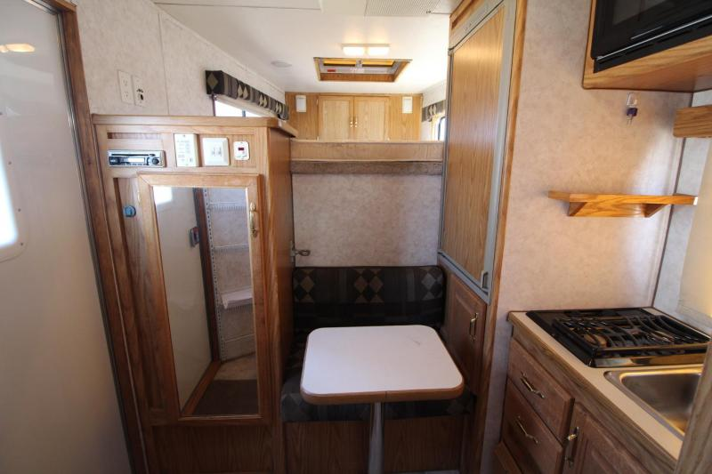 2003 Charmac Weekender - Stove top - Microwave - Awning - 3 Horse Trailer