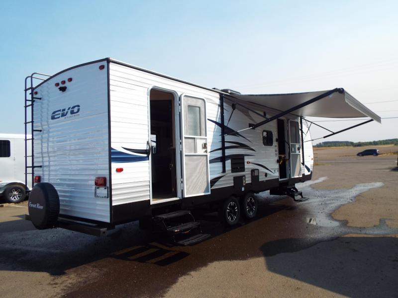 2018 Evo Travel Trailer Model 2850 w/ Bunk Beds - Slide Out - Arctic Package - Solar Prep