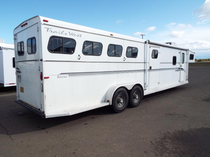 2001 Trails West Sierra 4 Horse -11 ft SW Living Quarters Trailer - Mangers on First Two Stalls -  2ft SW Angled Mid Tack Room