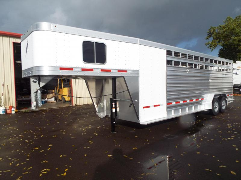 2017 Featherlite 8413 - 24' Stock Combo - All Aluminum 7' Tall and Wide w/ Center Divider Gate - Enclosed Tack Room