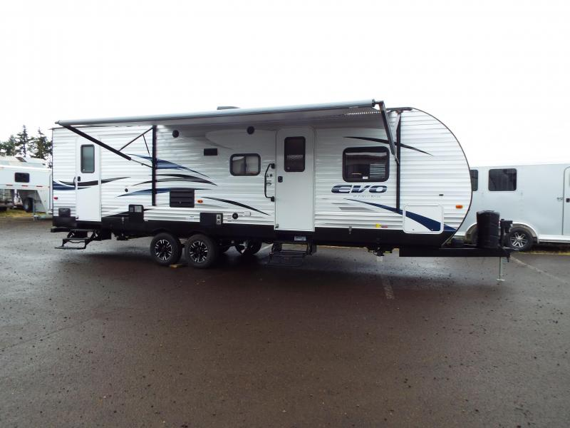 2018 Evo Model 2700 Travel Trailer - Triple Bunks - Power Jacks & Awning - Arctic Package - Sleeps 9!