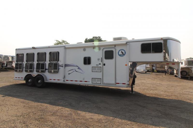 2005 Logan Coach Aluminum XT 4 Horse Living Quarters Trailer
