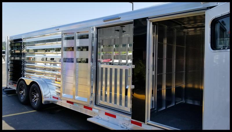 "2018 Exiss ""Exhibitor"" 24' Livestock Trailer w/Air Gaps"