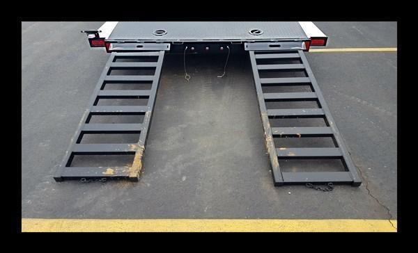 "2017 Diamond C ""12 CHS"" 18' Deluxe Steel Floor Car Hauler"