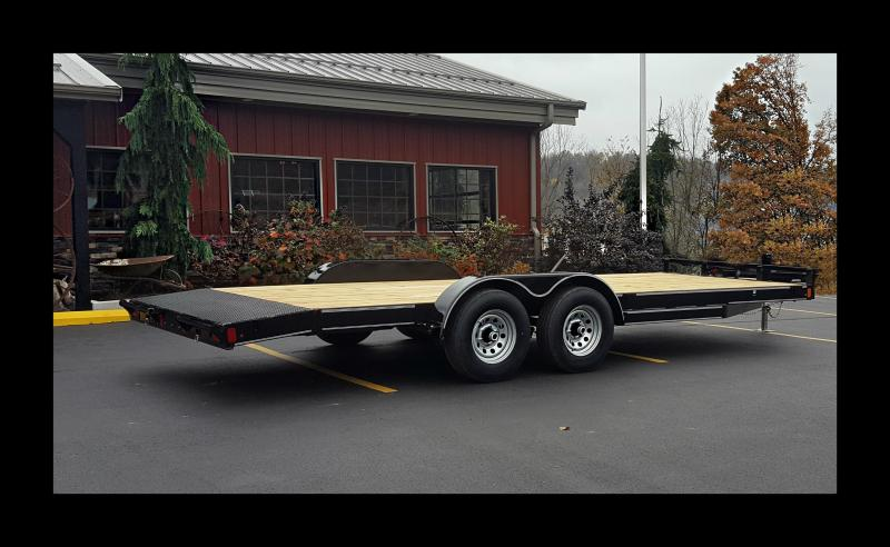 2017 Diamond C 20' Car Hauler Trailer