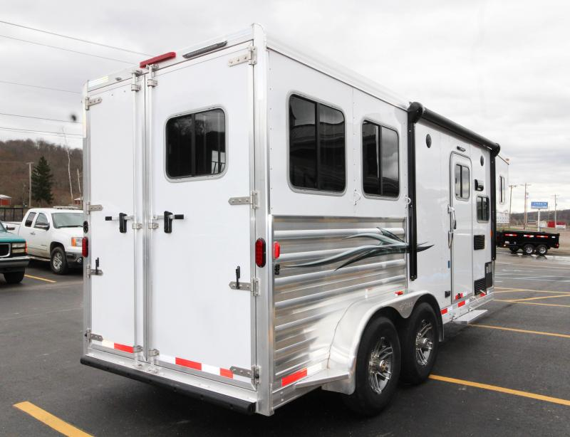 2018 Exiss Escape 2-Horse Slant Load Trailer