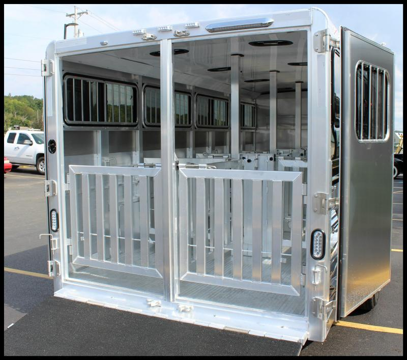 "2018 Exiss ""Exhibitor"" 20' BP Livestock Trailer w/Windows"