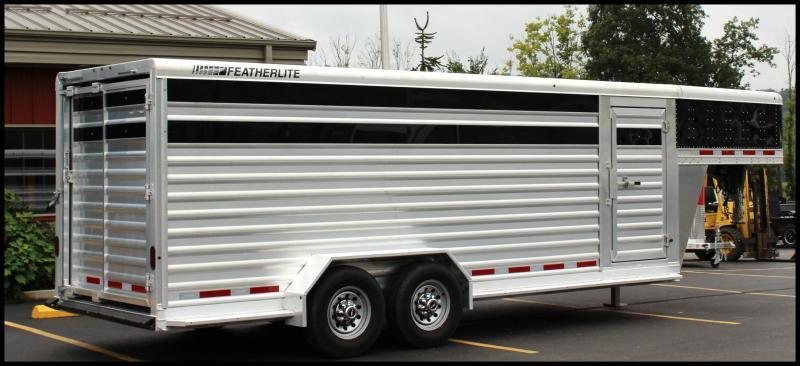 2016 Featherlite 20' Livestock Trailer