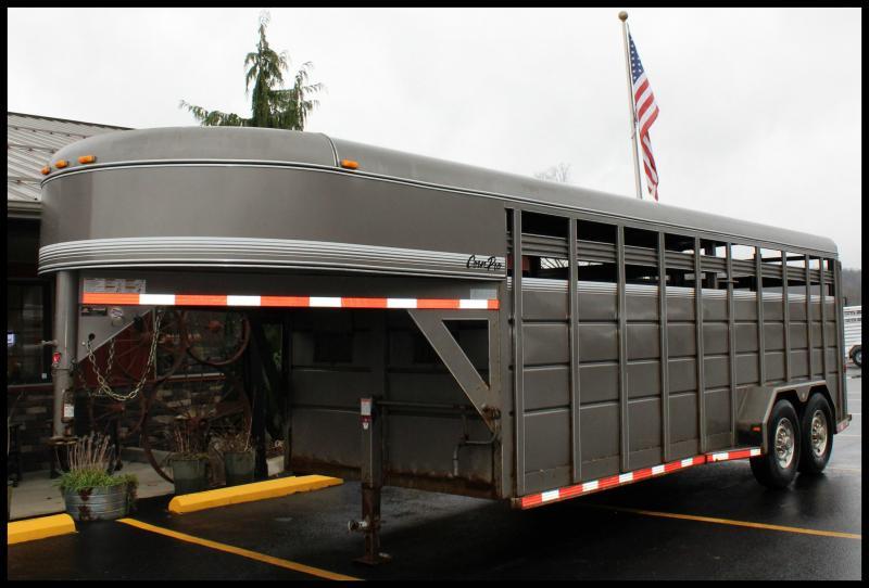 2010 Corn Pro 20' Livestock Trailer
