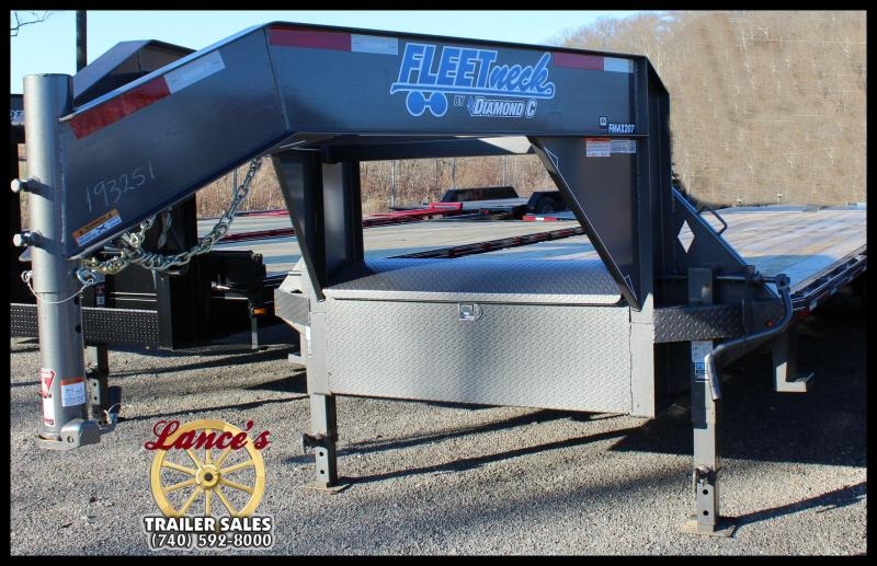 2017 Diamond C FMAX 207 30' Equipment Trailer w/Max Ramps