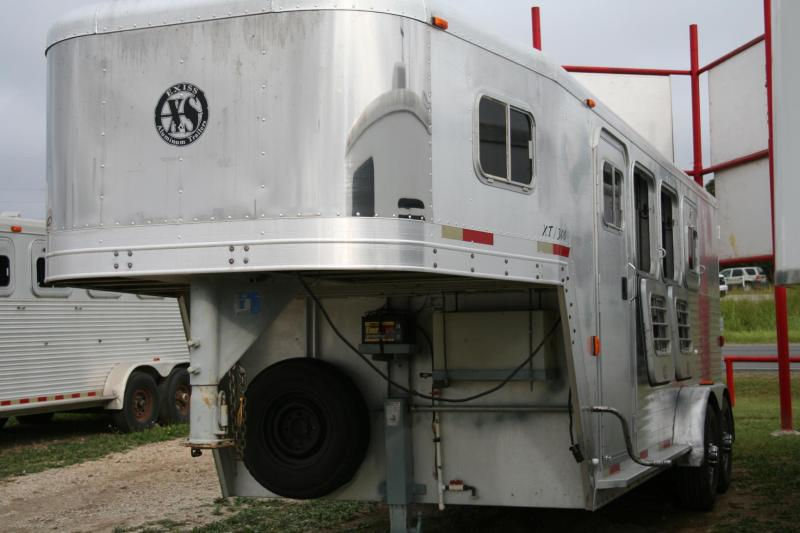 2000 EXISS XS 300 HORSE TRAILER