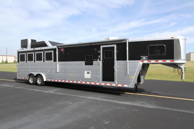 2016 HART TRADITION 4 HORSE WITH 12' SHORT-WALL OUTLAW LIVING QUARTERS