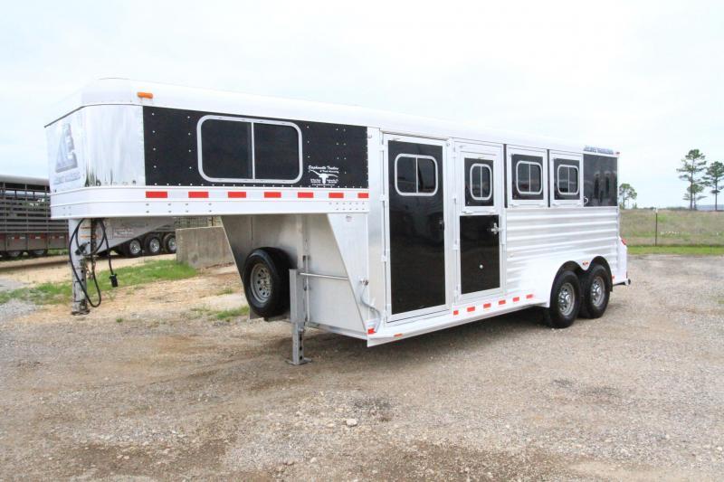 2013 Elite 3 Horse Trailer