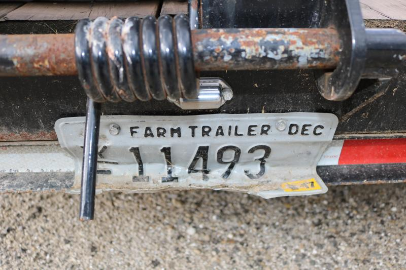 2015 Michigan 25' Gooseneck Trailer
