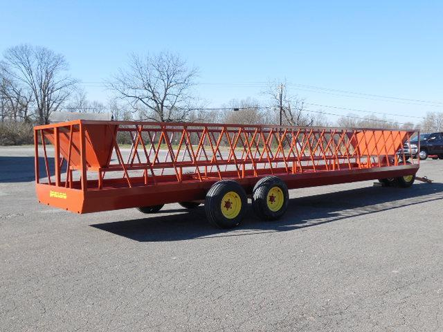 2016 Pequea 530T Feeder Wagon Truck Bed / Equipment