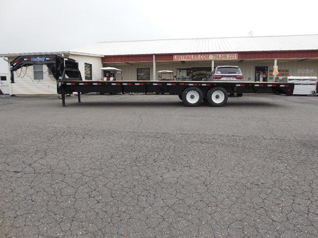 2018 Load Trail GN 102 x 28 Equipment Trailer