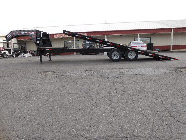 2017 PJ Trailers GN 26' Deckover Tilt Equipment Trailer