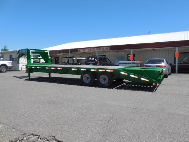 2015 Load Trail GN 26ft Flatbed with Dovetail Flatbed Trailer