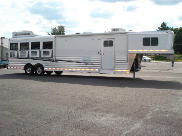 2014 Elite Trailers GN 4H LQ Horse Trailer