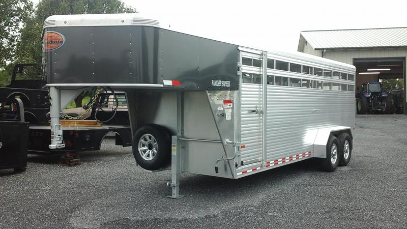 2017 Sundowner Trailers 20 Rancher Express Livestock Trailer